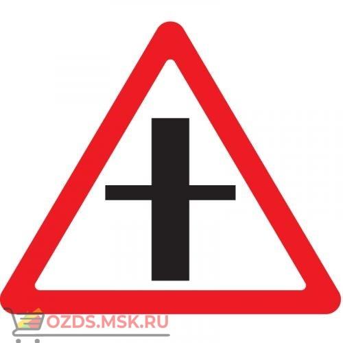 Дорожный знак 2.3.1 Пересечение с второстепенной дорогой (A=900) Тип А